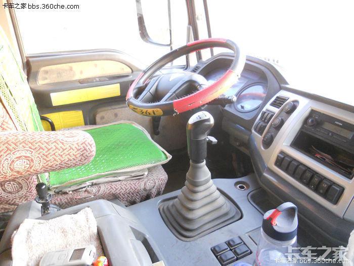 欧曼etx 9系8x4自卸车,工作随拍.图片