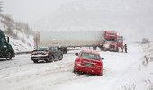 全国多地暴雪来袭 路上的卡友们注意安全驾驶