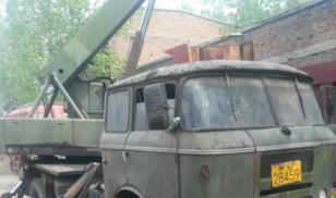 89年的吊车仍在工作,年轻人怎能贪图享乐卡车之家论坛