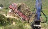 卡车转战轮式挖掘机!