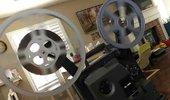 在家隔离拿出我的古董放映机看大片