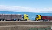 开着卡车游赛里木湖别有一番景色